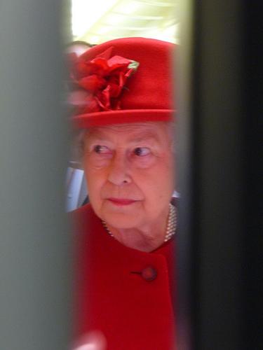 The Queen through a crack