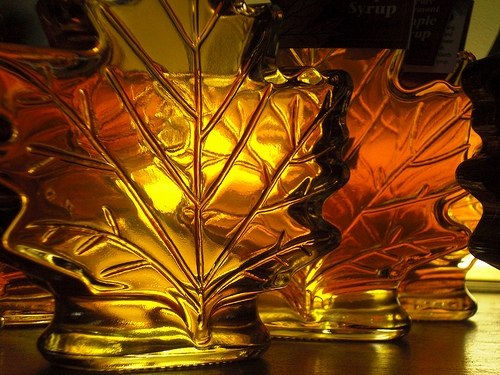 Maple syrup glass light leaf